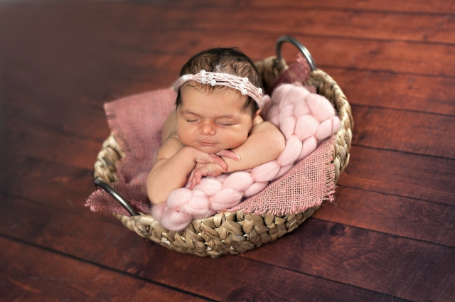 Little Lady Newborn Photo Shoot - Photos by Maya Noonan